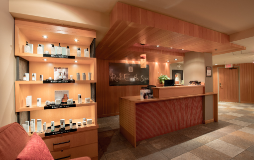Lounge - Red Earth Spa